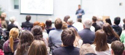 Übungsaufgabe: Die Tagung in Frankfurt