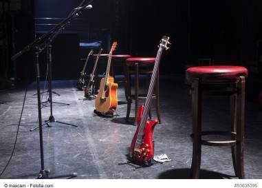 Musiker zu 3000 Euro Bußgeld für Auftritt seines Kindes verurteilt