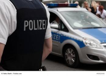 349/16 Freiburg: Mann zielt auf Kindergeburtstag
