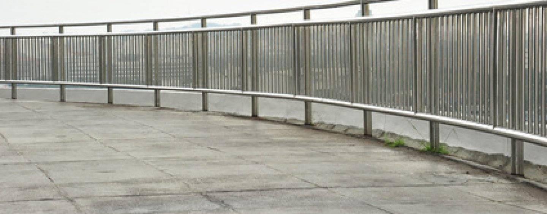 Geländer an einer Treppe im öffentlichen Bereich notwendig?
