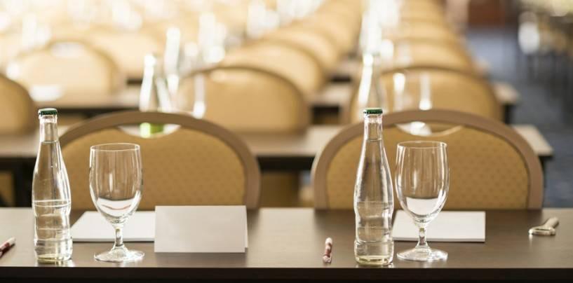 35/18 Namensschilder auf Konferenzen