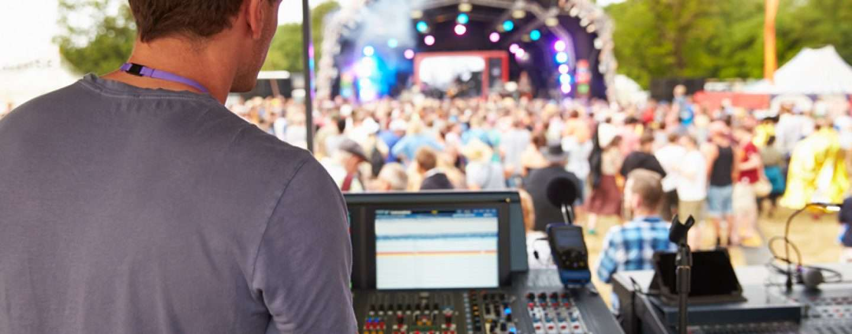 Wann muss ein Verantwortlicher für Veranstaltungstechnik anwesend sein?