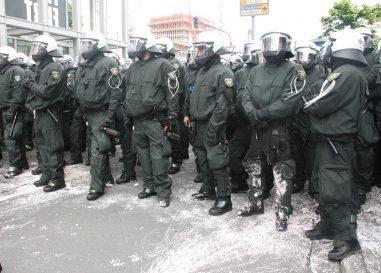 123/17 Fußballverein muss Polizeikosten nicht zahlen