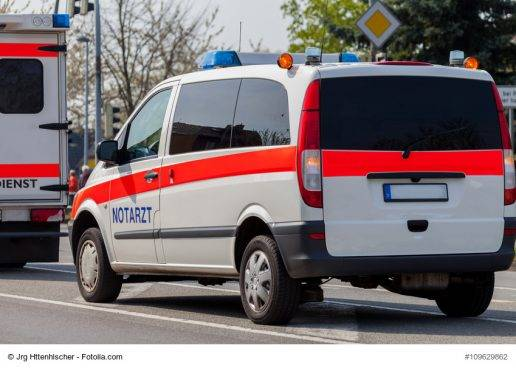 41/18 Kölner Umzug: Mehrere Verletzte bei zwei Unfällen