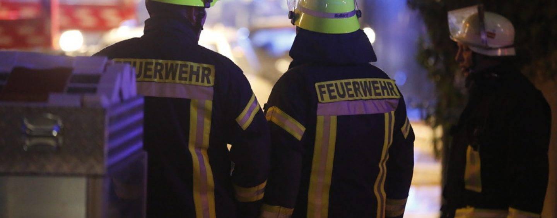 370/16 Luxemburg: Wasserbomben landen in Zuschauerbereich
