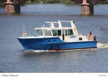 131/17 Hamburg: Partyschiff mit 600 Gästen geräumt