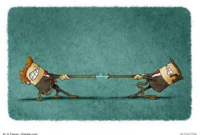 Zwei Figuren ziehen am Seil