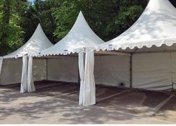 202/17 Essen: Zelte werden von Windböe erfasst