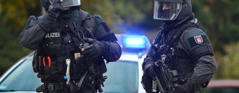 349/17 Karlsruhe: Polizei verhindert offenbar Terroranschlag auf Weihnachtsmarkt