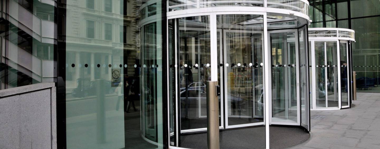187/17 Verkehrssicherung bei Glasdrehtüren