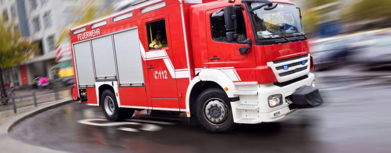 430/16 Feuerwehrzufahrt darf freigeschleppt werden